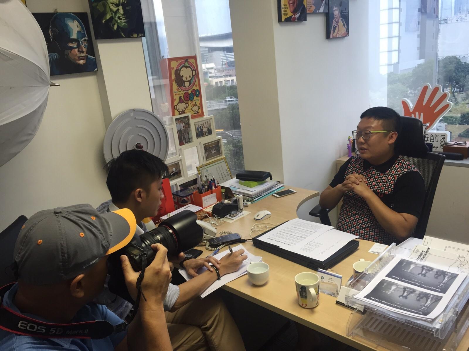 香港可持續發展研究中心創辦人及執行總監朱兆麟先生接受 訪問